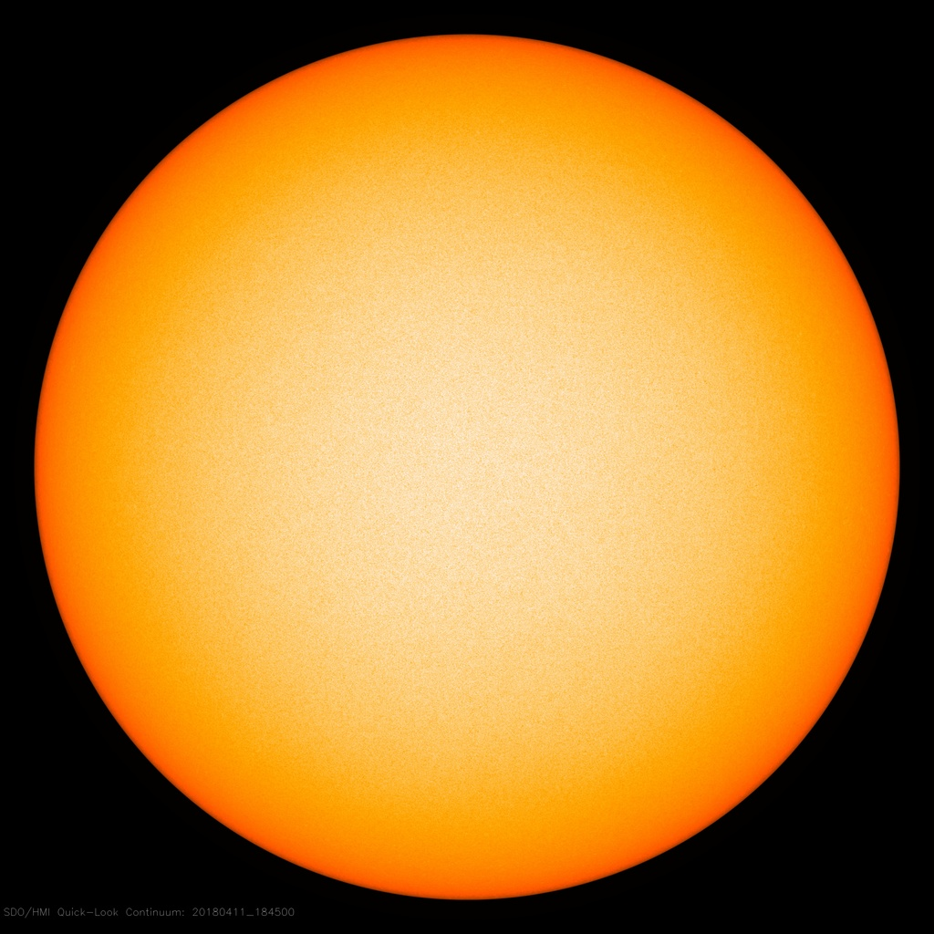 Solar activity crashes – the Sun looks like a cueball